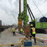 drill rigs install secant piles